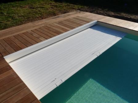 Rideau piscine toulouse for Rideau de piscine immerge